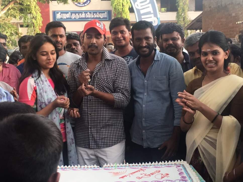 Actor Vishnu Vishal 's B'day Celebration Stills 004
