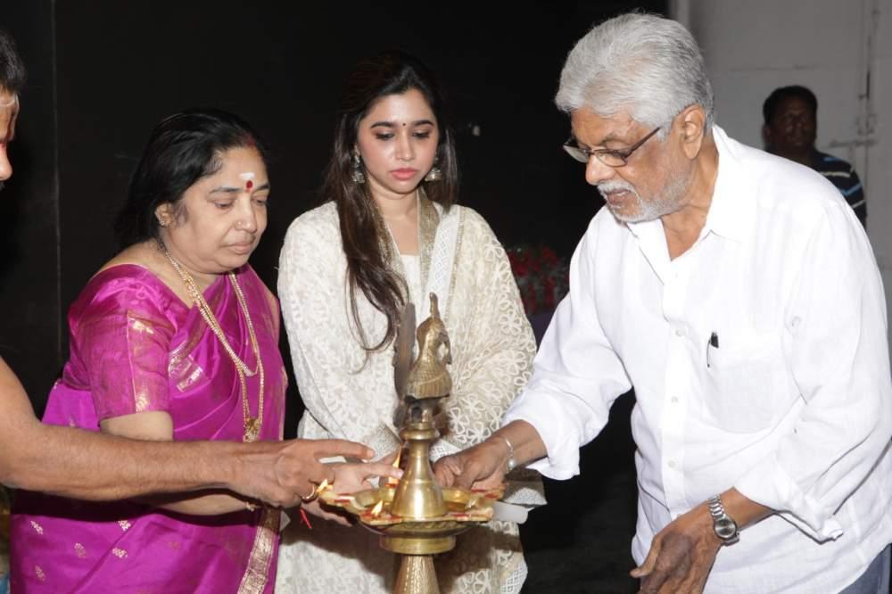 Jayam Ravi – Director Vijay's untitled project Pooja Stills 005