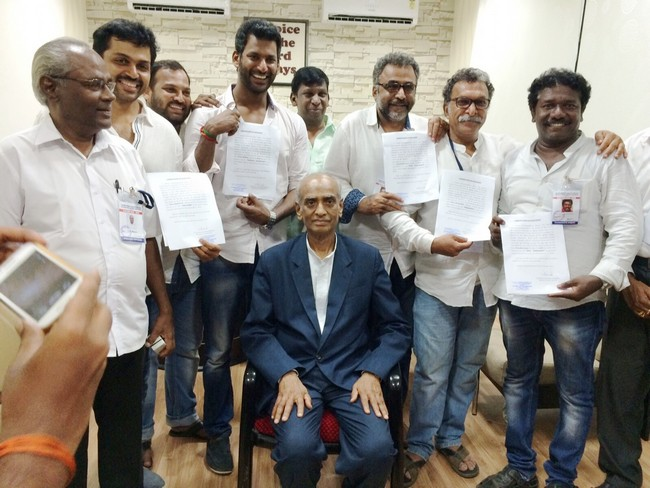 Retired Justice Sri..E.Padmanabhan issued Certificate To Paandavar Ani Team01