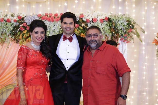 21_Ganesh Venkatram - Nisha Wedding Reception Stills08