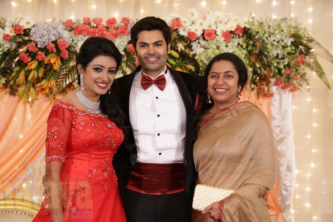21_Ganesh Venkatram - Nisha Wedding Reception Stills42