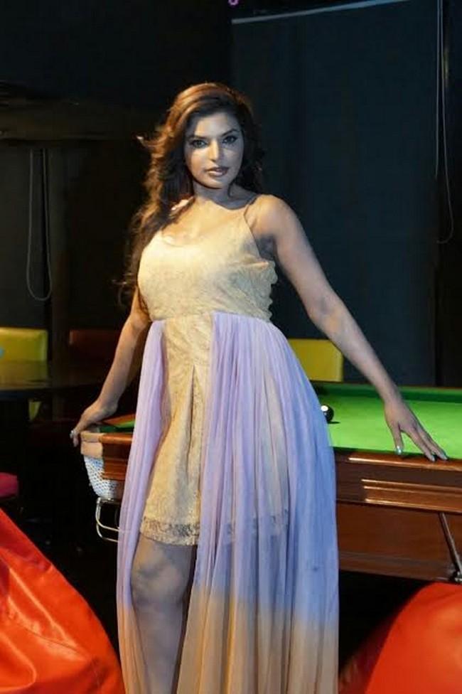 Actress shalini naidu stills02