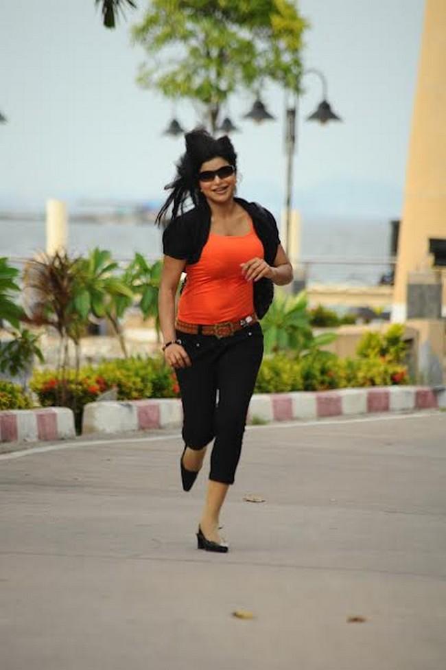 Actress shalini naidu stills07