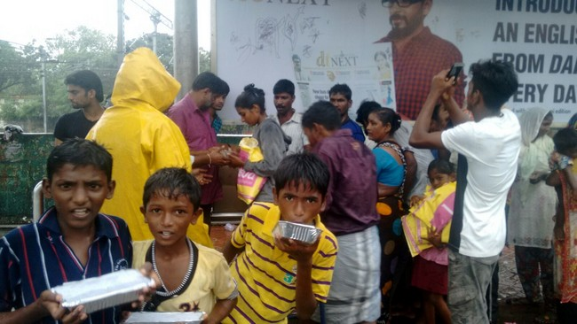 Vishal Fans Helps Popole Who Attacked By Rain08