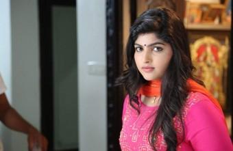 Actress Naina Sarwar Stills 027