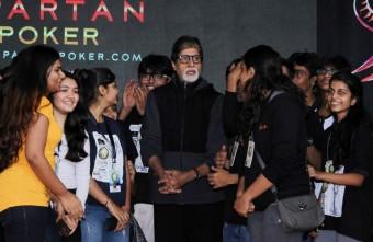 Amitabh Bachchan took selfies with students Stills 005