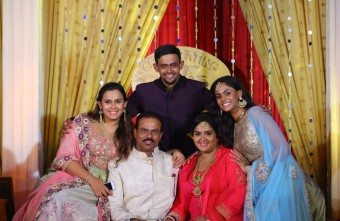 actress-radha-25th-year-wedding-anniversary-stills-016