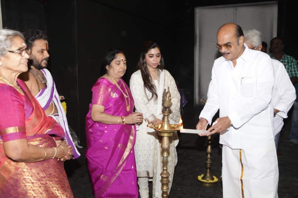 Jayam Ravi – Director Vijay's untitled project Pooja Stills 006