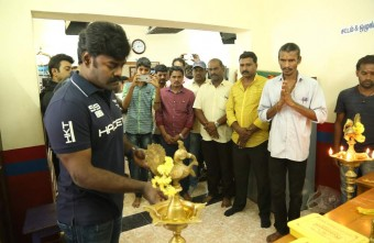 producer-actor-rk-suresh-debut-as-hero-in-thani-mugam-stills-006