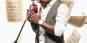 yuvan-with-paper
