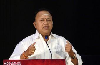 """Vetripetrvan lon Jeichanvan Illa""-Radharavi attacks Vishal?"