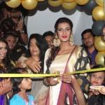 Actress Meera Mithun Launches Ace Salon & Spa 002