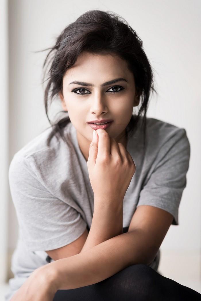 Actress Shraddha Srinath Photoshoot Pics023