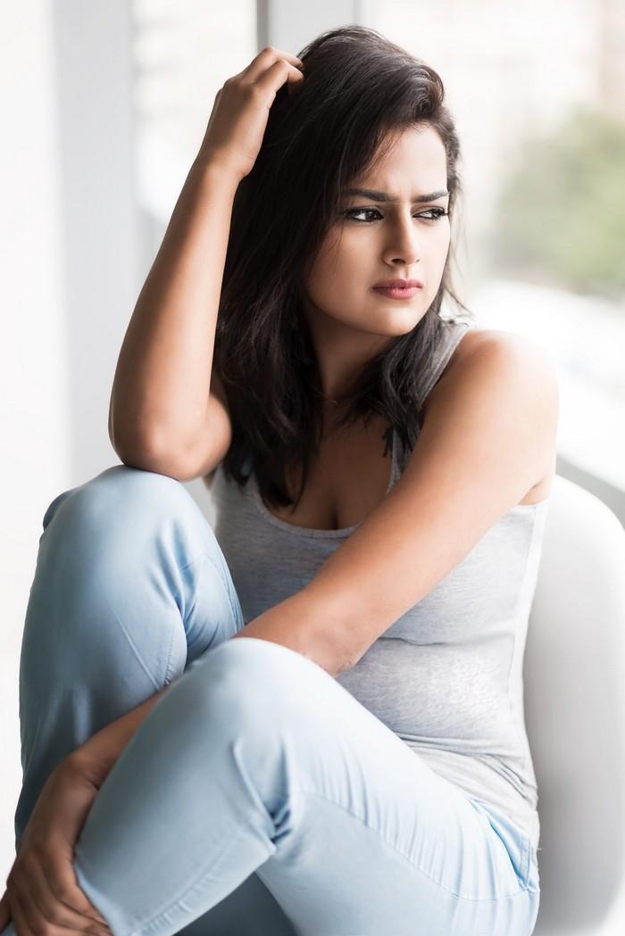 Actress Shraddha Srinath Photoshoot Pics031
