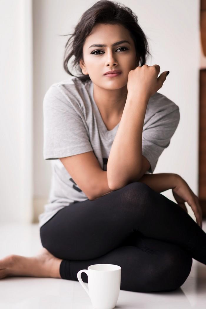 Actress Shraddha Srinath Photoshoot Pics034